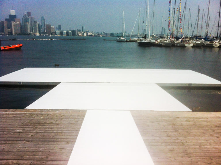 Chalk white event carpet on the pier