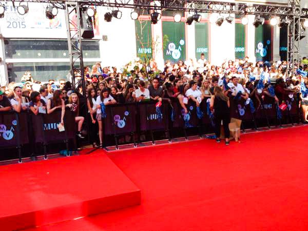 Red event carpet outdoors for the MMVAs